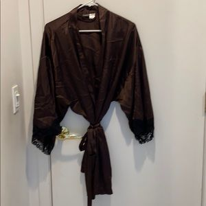 Brown wrap Rob with black lace, XXL.